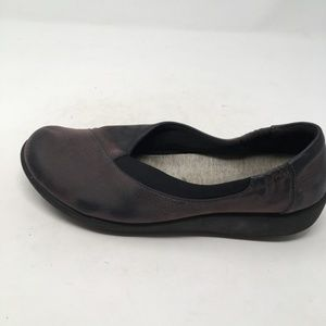 CLARKS GREY SLIP ON SHOES 8.5